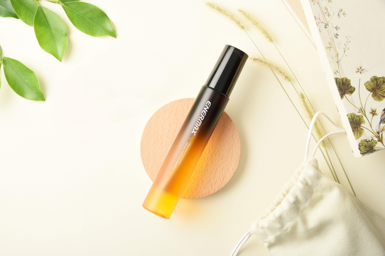 定妝噴霧的用法介紹,使用安耐美全方位噴霧兼具保養效果保濕又控油