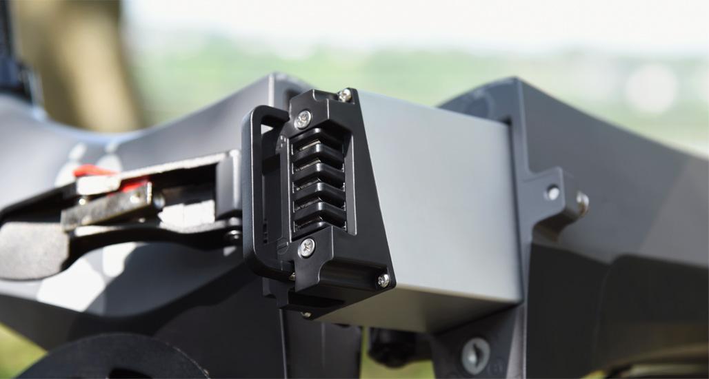 MaxWolf Hybrid 160隱藏式電池搭配電池管理系統及LG電芯