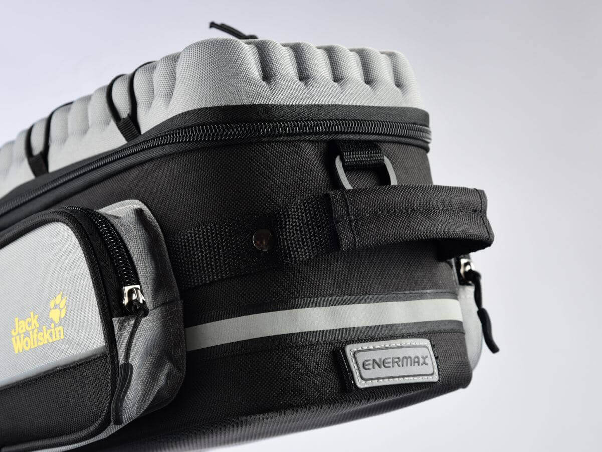 ENERMAX Jack Wolfskin聯名款快拆式後旅行袋 安全反光條設計