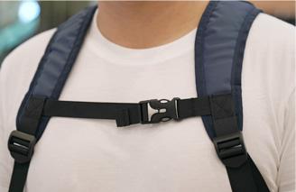 ENERMAX多功能都會生活背包減壓胸扣示意圖